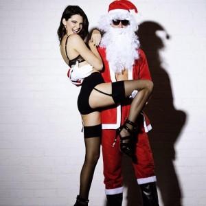 sexy-kendall-jenner-love-magazine-santa