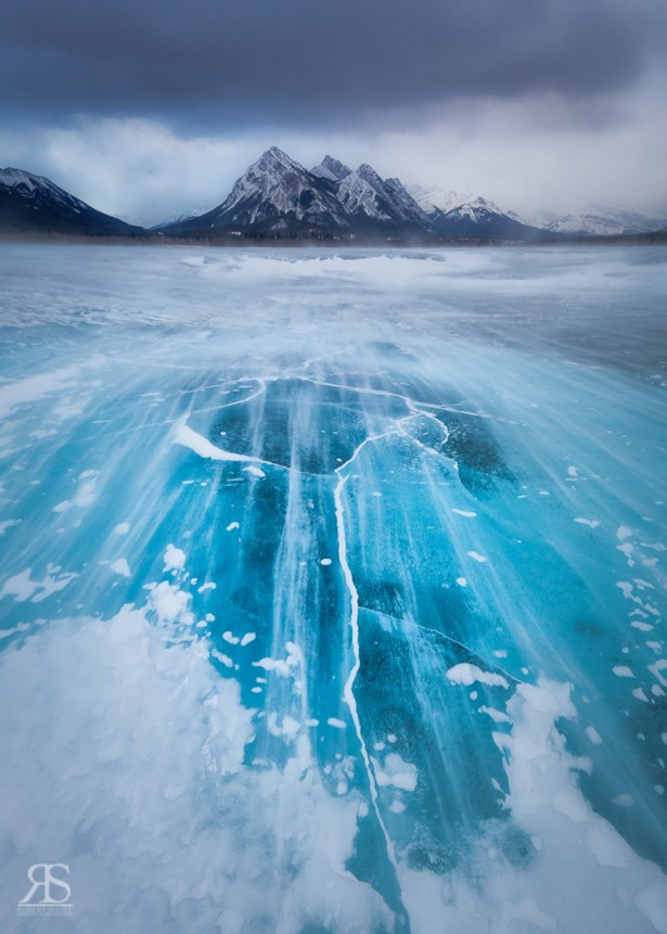 Frozen lakes and ponds, Lake Abraham in Alberta, Canada