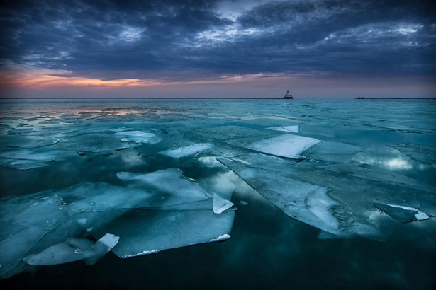 Frozen lakes and ponds, Lake Michigan in Chicago, USA
