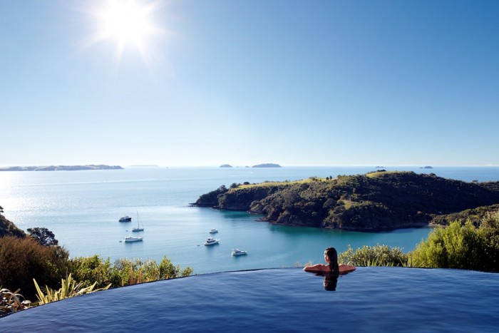 Infinity pool in Waiheke island in New Zealand is one of the most amazing swimming pools in the world.