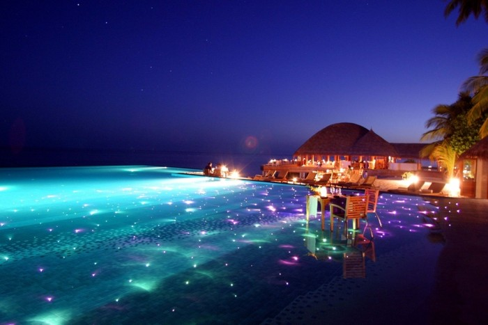 Huvafen Fushi in the Maldives has one of the most amazing swimming pools in the world.