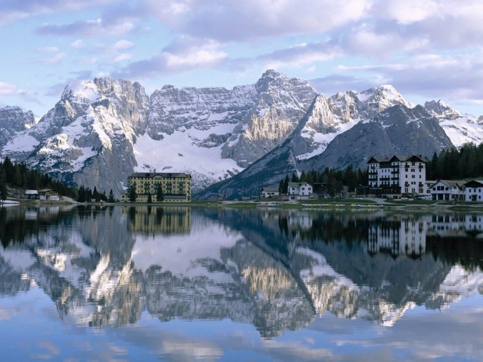 Best places to visit in Italy, Lake Misurina