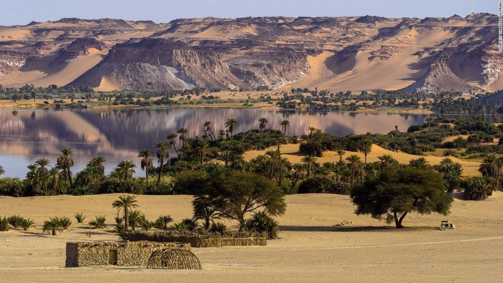 Most amazing world heritage sites, -Ounianga lakes in Chad