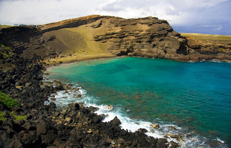 Unique and unusual beaches in the world, Papakolea Green Sand Beach in Hawaii