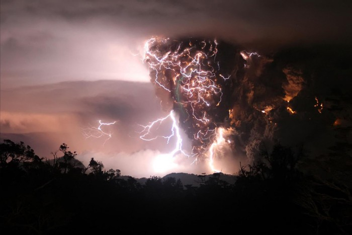 One of the most amazing thunderstorm photos is taken in Chile.