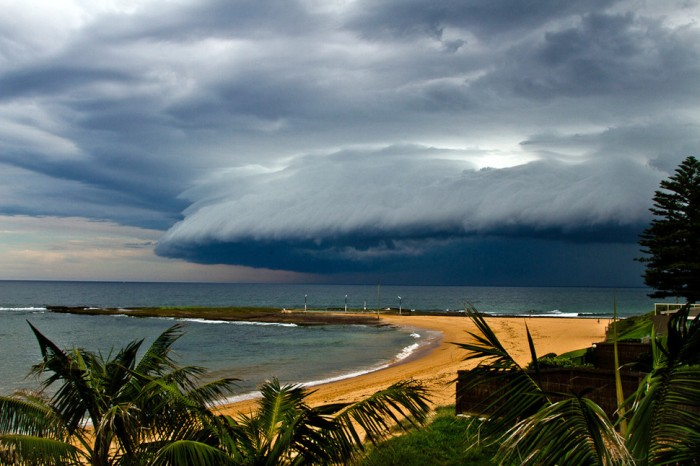 One of the most amazing thunderstorm photos is taken in Sydney.