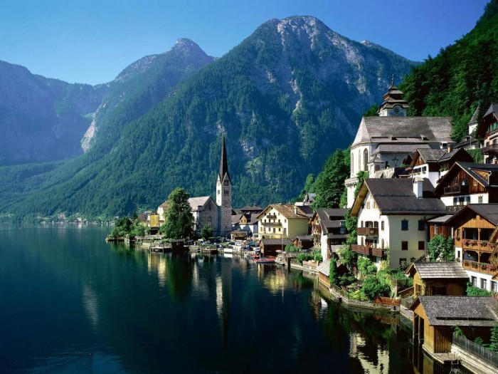There are many beautiful places in Austria. Hallstatt is one of them.