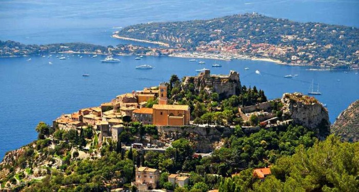 Eze in France is one of the beautiful small towns in the world.