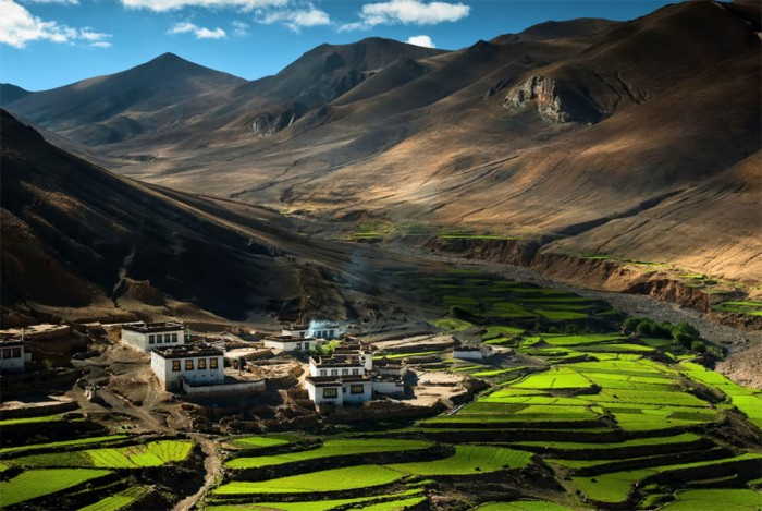 Some of the most beautiful small towns in the world are situated in Tibet.