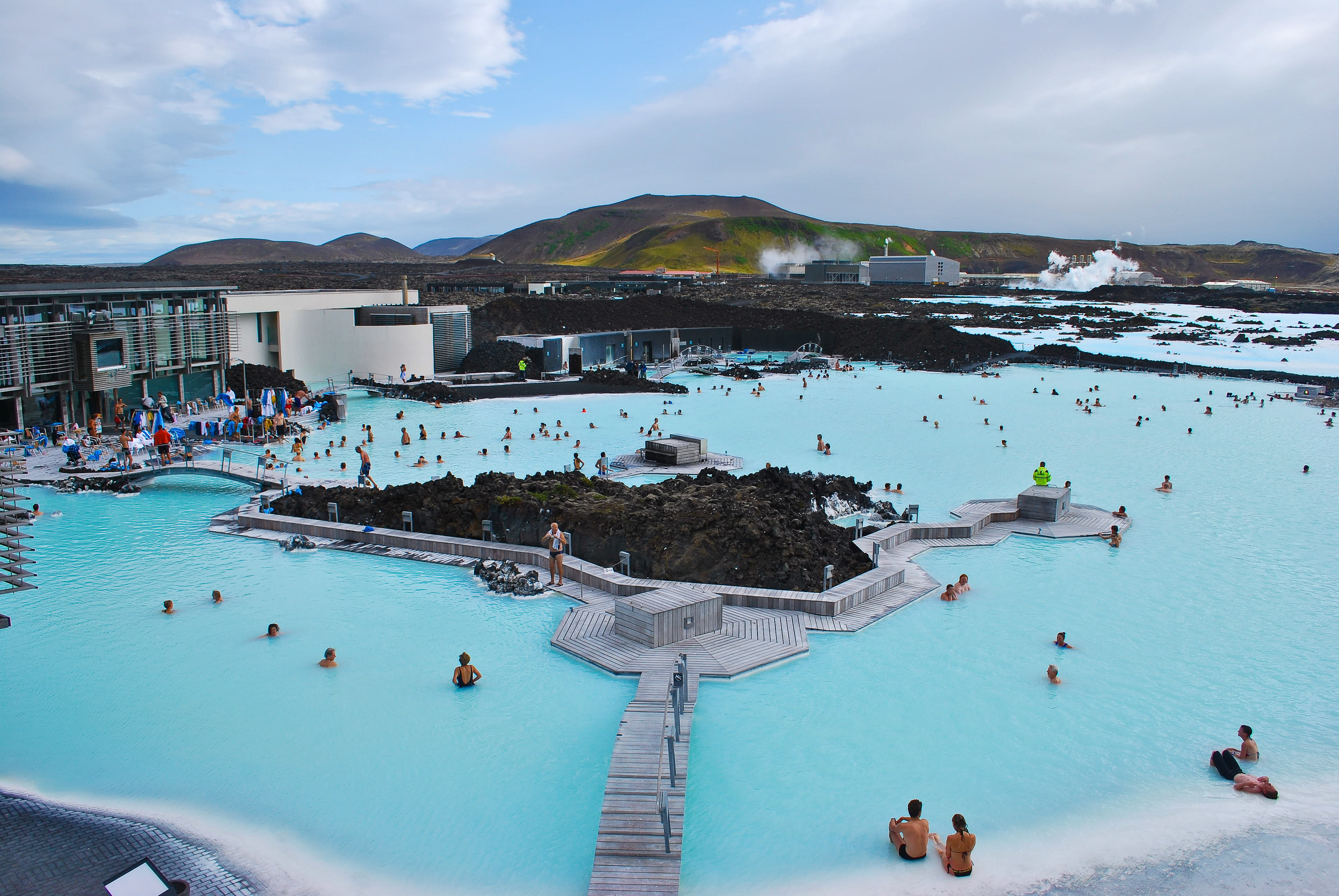 The blue lagoon geothermal spa in iceland for Iceland blue lagoon hotel