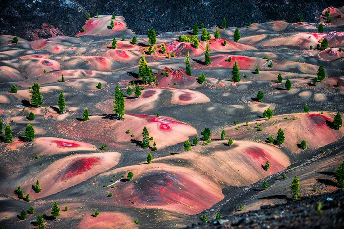 Painted dunes in the Lassen National Park are on the list of the 20 unbelievable places on earth.