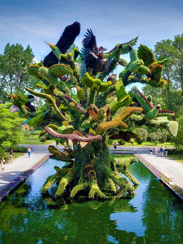 Montreal botanical garden is one of the most beautiful places to visit in Canada.