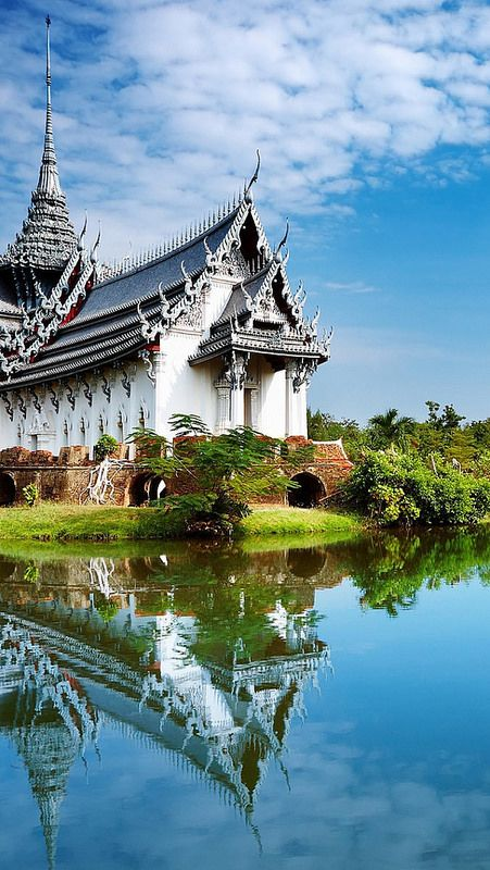 One of 15 unforgettable bucket list trips is Chiang Mai in Thailand.