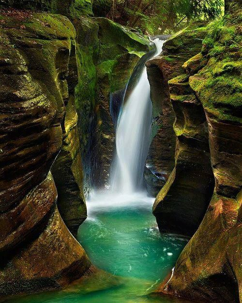Impressive waterfalls around the world - Corkscrew Falls in Ohio, USA