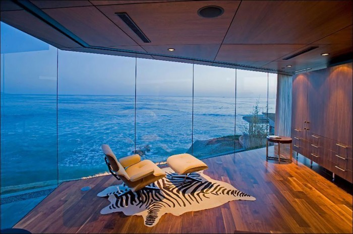 Best hotel rooms with a view in La Jolla in California, USA.