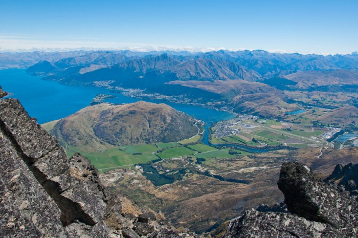 Queenstown is one of the 10 must-see places of New Zealand's South island.