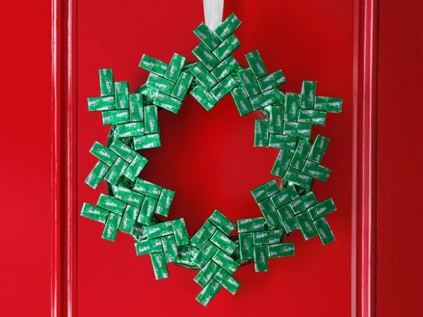 These are unique DIY holiday decorations that you can actually eat right off the tree.