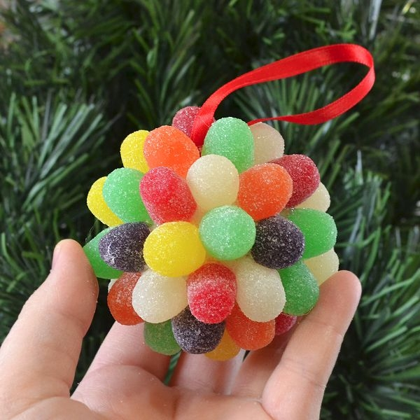 These are one of the most interesting DIY holiday decorations that you can actually eat.