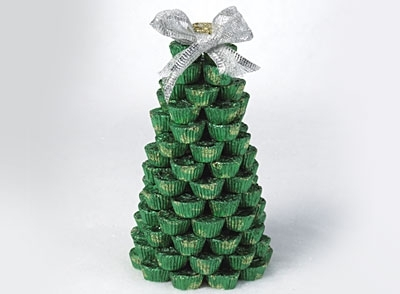 Miniature Christmas tree is one of many DIY holiday decorations that you can actually eat.
