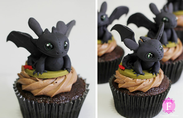 Toothless cupcakes are very creative cupcakes.