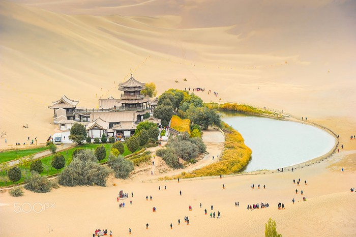Top reasons why to visit China - Crescent lake at Dunhuang.