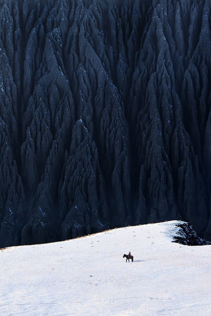 Top reasons to visit China - Dushanzi Grand Canyon.