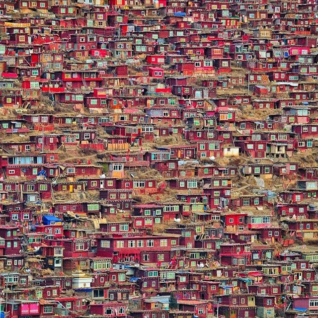 Top reasons why to visit China - Larung Gar.