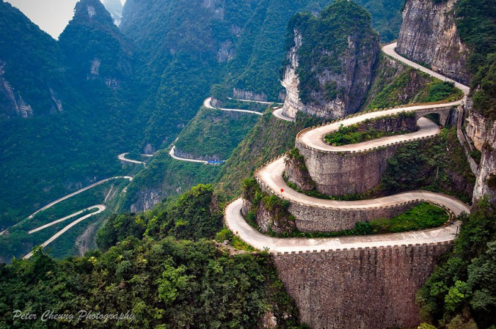 Top reasons to visit China - Tianmen Mountain.