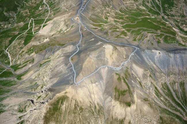 Col de la Bonette in France is one of the world's 8 scariest roads.
