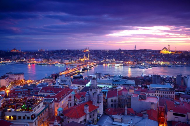 Dusk photos from Istanbul are amazing.