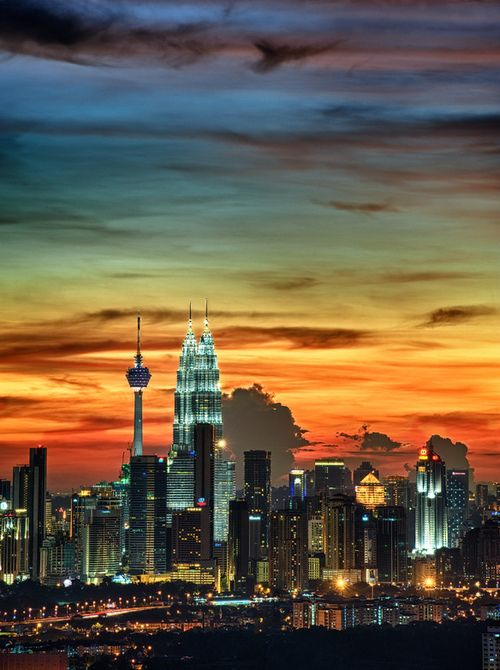 Some of the most beautiful dusk photos are taken in Kuala Lumpur.