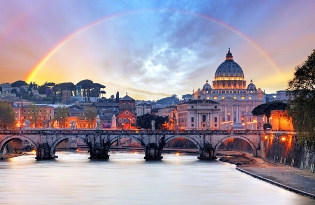Some of the most beautiful dusk photos are taken in Rome.