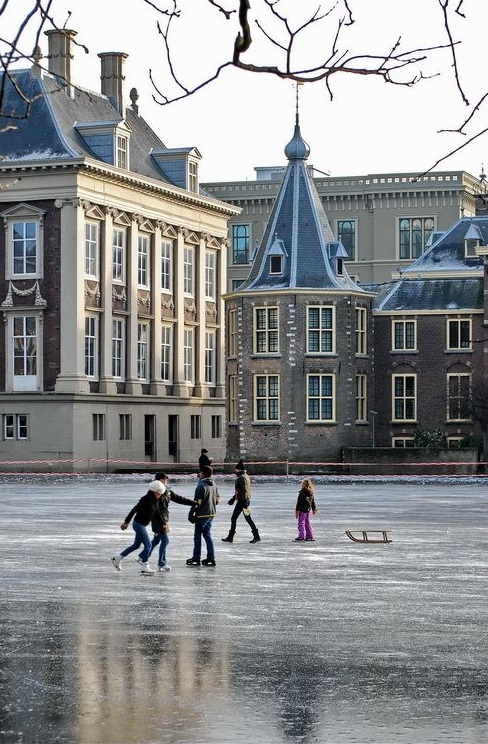 Winter skating is one of the things you will love about the Netherlands.
