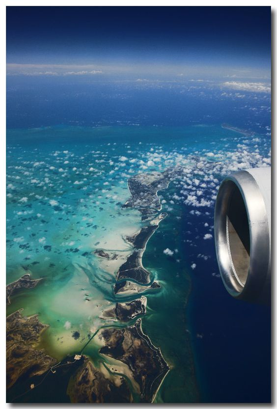 Impressive airplane window seat pictures from the Caribbean that will blow your mind.