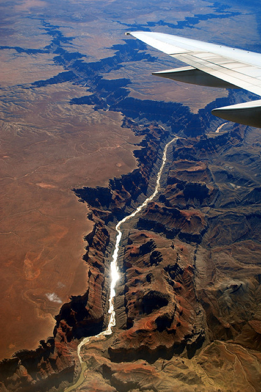 Impressive airplane window seat pictures above Grand Canyon in Arizona will blow your mind