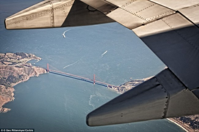 Impressive airplane window seat pictures above San Francisco will blow your mind