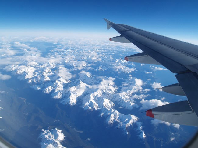 Impressive airplane window seat pictures above New Zealand that will blow your mind.