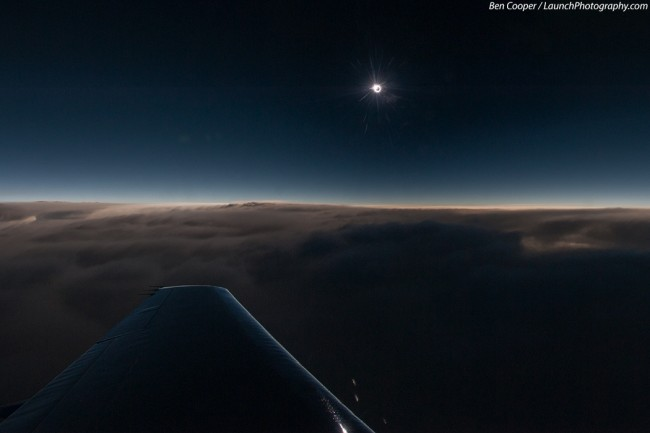 Impressive airplane window seat pictures above the Atlantic that will blow your mind