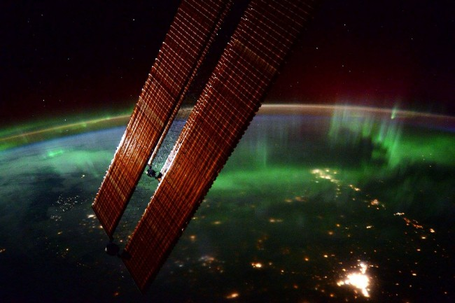 Stunning photos from the International Space Station-Aurora-Borealis.