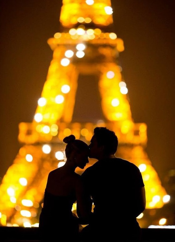 Paris is one of the top 10 Valentine's Day destinations.