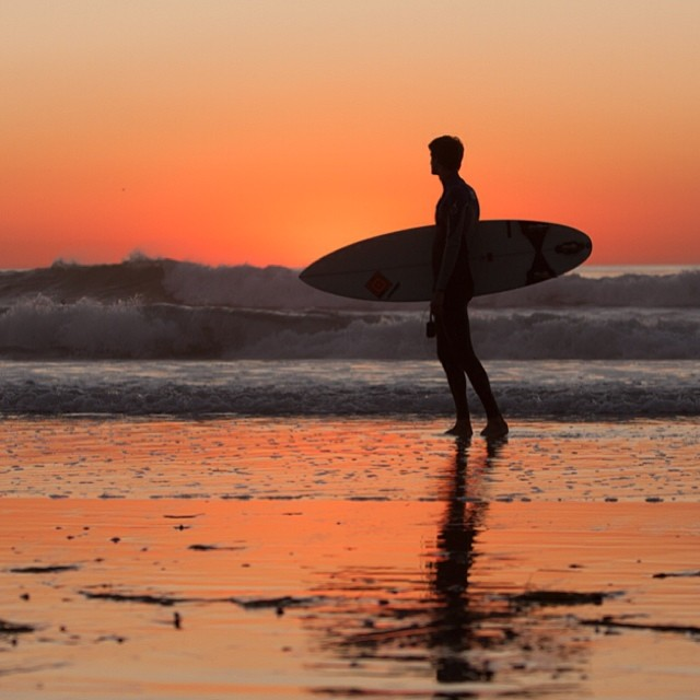 Encinitas in California is one of the top 7 amazing surf spots for beginners.