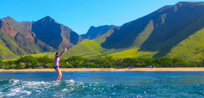 Best Beaches in Hawaii to Learn How to Surf, According to ...