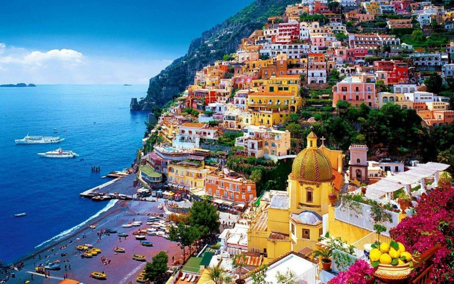 Positano is considered to be one of the most gorgeously picturesque villages in Italy.