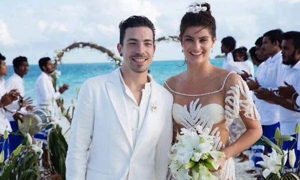 Isabeli Fontana and Diego Ferrero had a wonderful beach wedding in the Maldives.