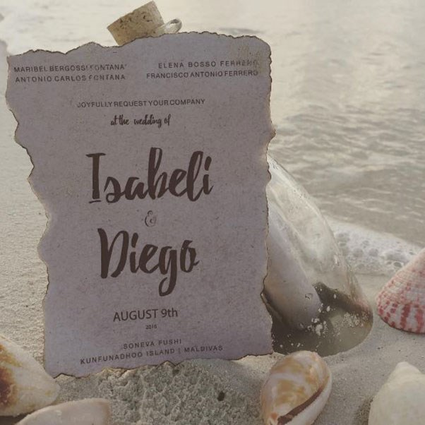 Isabeli Fontana and Diego Ferrero made beautiful message-in-a-bottle wedding invitations