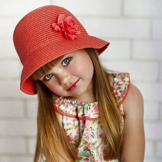 Beautiful Anastasiya Knyazeva is a 5 year old girl from Russia.