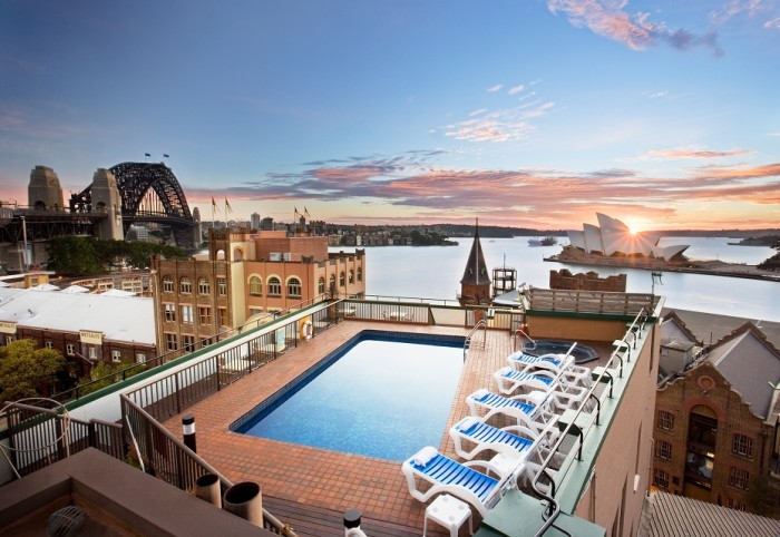Holiday Inn Old Sydney hotel is one of the best hotels with rooftop pools in the world.