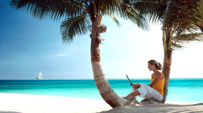 To work as a blogger is one of the ten best travel jobs in the world.