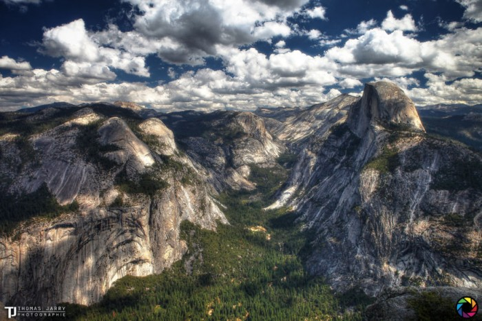 American landscape seen through the eyes of Thomas Jarry. This photo was taken in the Glacier Point in Yosemite National Park.