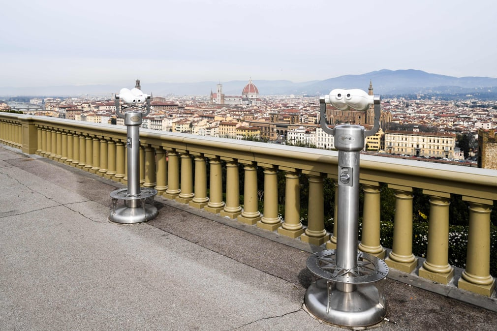 Beautiful Italy under quarantine. This is how the Piazzale Michelangelo in Florence looks today.